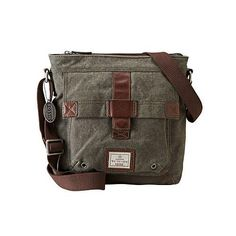 Need a manly bag to carry for work or travel? LOVE this @Fossil bag from Macy's!