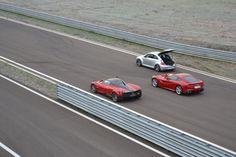 Pagani Huayra vs Ferrari