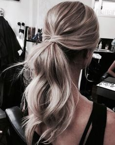 Frisur – Flechtfrisuren – braided Hair – Haare, You can collect images you discovered organize them, add your own ideas to your collections and share with other people. Messy Hairstyles, Pretty Hairstyles, Hairstyle Ideas, Dinner Hairstyles, Party Hairstyle, Daily Hairstyles, Bridal Ponytail, Ponytail For Wedding, Wedding Hair