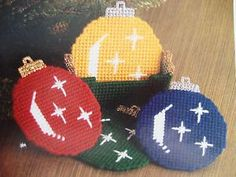 """Christmas Ornament Coaster Set"" Plastic Canvas Pattern"