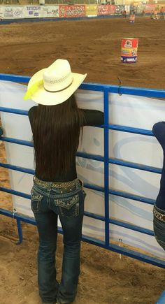 Cowboy Girl, Western Girl, Cowgirl Style, Western Wear, Cowgirl Outfits, Western Outfits, Cute Country Outfits, Cute Outfits, Fall Outfits