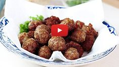 Chifteluțe la cuptor – rețeta video | Bucatar Maniac Deserts, Food And Drink, Pizza, Meat, Ethnic Recipes, Blog, Design, Pork, Postres
