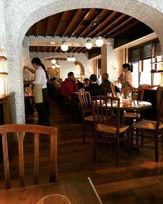 What a beautiful dining room @thelovephilly #rittenhousesquare #thelove #thelovephilly #diningroom @starrrestaurant #phillyeats #philly #philadelphia #starrrestaurants #stephenstarr #aimeeolexy