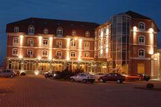 Hotel Ana Sibiu Trips, Mansions, House Styles, Home Decor, Viajes, Decoration Home, Manor Houses, Room Decor, Villas