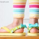 Use KAM snaps to make Interchangeable Flip-Flop Back Straps Toddler Flip Flops, Kids Flip Flops, Sewing For Kids, Diy For Kids, Gifts For Kids, Sewing Tutorials, Sewing Projects, Diy Projects, Sewing Diy