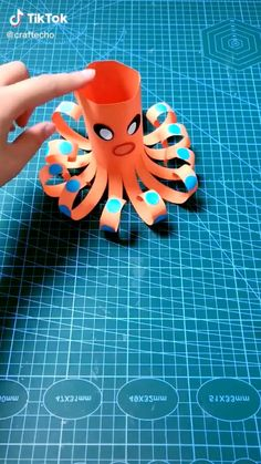 Hand Crafts For Kids, Animal Crafts For Kids, Toddler Crafts, Art For Kids, Paper Crafts Origami, Paper Crafts For Kids, Diy Arts And Crafts, Fun Crafts, Preschool Art Activities