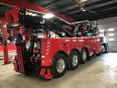 TOW - TRUCK Cool Trucks, Big Trucks, Cool Cars, Peterbilt, Jamie Davis, Towing And Recovery, Heavy Duty Trucks, Heavy Machinery, Transporter