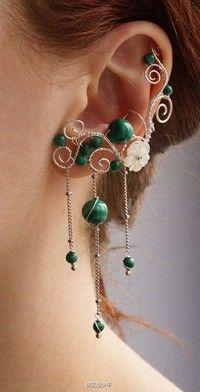 在围脖上偶然见着俄罗斯姑娘Софья Павлова的手工耳饰作品,于是vk一看,发现件件都很美貌,如艺术品一般抓人眼球,有的很具戏剧性,有的细腻又婉约。图片来自:http://t.cn/8F3ooHg 姑娘的vk地址:http:…