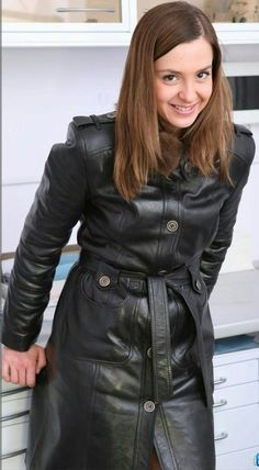 Long Leather Coat, Leather Jacket, Red Paint, Lady, Raincoat, Womens Fashion, Clothes, Trench, Leather Dresses