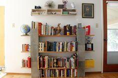 bookshelf decor 15 Best DIY Modern Bookshelf Decoration Ideas And Organization Design Modern Bookshelf, Bookshelves Built In, Bookcase, Book Shelves, Bookshelf Ideas, Shelving Ideas, Diy Interior, Interior Exterior, Cinder Block Shelves