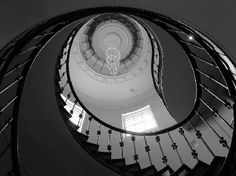 Cotswold House Hotel & Spa: The beautiful staircase.