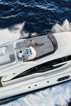 External view Ferretti Yachts - Ferretti 690 #yacht #luxury #ferretti