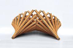 Rising Shell : Decorative Wooden Fruit Bowl by Robert van Embricqs Folding Furniture, Furniture Design, Wooden Fruit Bowl, Details Magazine, Brick Facade, Yanko Design, Smart Design, Design Art, Interior Design