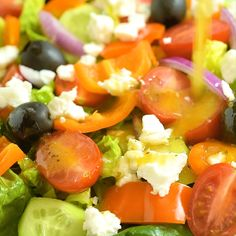 This Greek Salad Dressing recipe is a staple at my home. Not only do I use it to make Greek Salad, b Greek Salad Recipes, Salad Recipes Video, Salad Dressing Recipes, Salad Sauce, Cooking Recipes, Healthy Recipes, Healthy Salads, Tzatziki, Food Videos