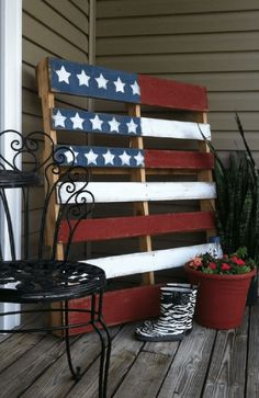 Pretty much everyone can drink beer and set off fireworks while waving American flags and singing the national anthem, so it's time to show your patriotism in new and creative ways! Here are some fun and All-American projects and decorations to celebrate the land of the free and the home of the brave. 1. The Most American Baby Crib Ever Instead of throwing away that old and partially broken crib, consider recycling it into an inventive and artistic display of American pride. It certainly…