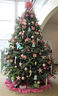 Lilly Christmas Tree #LillyHoliday