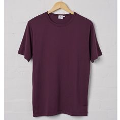Sunspel Reed Short Sleeve Crew T-Shirt: Made in England and crafted from 100% Egyptian cotton fabric, Sunspel's Q82 Crewneck is the best classic T-shirt available. Quality 82 (Q82 for short) is Sunspel's own luxurious long staple cotton jersey fabric.