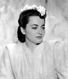 Olivia de Havilland Old Hollywood Actors, Hollywood Icons, Old Hollywood Glamour, Golden Age Of Hollywood, Hollywood Stars, Classic Hollywood, Marilyn Monroe, 1940s Movies, Olivia De Havilland