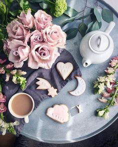 Hello Sunday 💗 the perfect day for tea and flowers, sweet treats (thank you )and dappled light. Hope you're enjoying yours Coffee Heart, Coffee Is Life, Good Morning Coffee, Coffee Break, Coffee Photography, Food Photography, Chocolates, Tea Art, Coffee And Books
