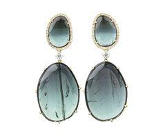 Looks magical right? Oorbellen. Earrings #Oorbellen #Earrings #Juwelen #Jewelry #LillyZeligman  www.lillyzeligman.com