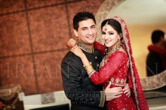 Aww dulhan & dulha indian pakistani bollywood bride and groom desi wedding PHOTOGRAPHY