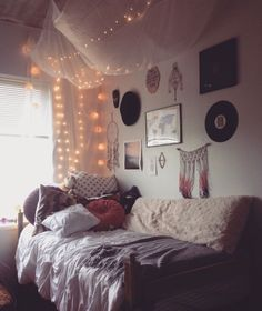 College dorm room ideas / inspiration for college girls rooms / pink grey cute lights arrow chic /