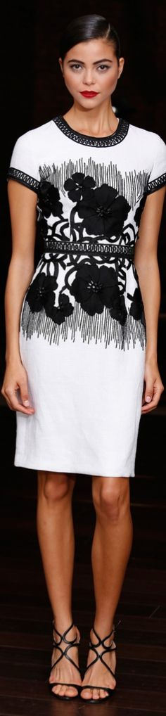 Now this is a great summer look. VISIT ME at http://www.thevintagelighthouse.com/  Naeem Khan Resort 2014♥✤