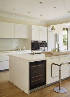 Bulthaup Kitchen Design Ideas, Pictures, Remodel and Decor Smart Kitchen, Kitchen Units, Open Plan Kitchen, New Kitchen, Bulthaup B1, Kitchen Interior, Kitchen Decor, Kitchen Board, Kitchen Pictures
