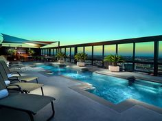 Rooftop Hotel Pools With Amazing Views | OMNI AUSTIN HOTEL DOWNTOWN - Austin, TX