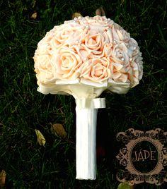 Egyedi kézműves menyasszonyi csokor #ékszercsokor #vintage #tartóscsokor #örökcsokor #brosscsokor #menyasszonyicsokor #rózsacsokor #broochbouquet #jewelerybouquet
