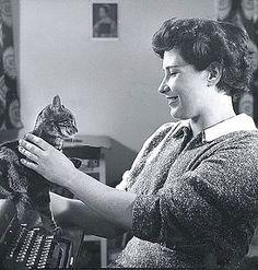 Doris Lessing y su gato