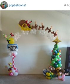 - Very cute! What a great idea to use an arch to tell a complete story or represent a whole scene. Balloon Columns, Balloon Wall, Balloon Arch, Balloon Ideas, Ballon Decorations, Balloon Centerpieces, Decoration Christmas, Noel Christmas, Balloon Flowers