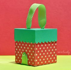 DIY Strawberry Box using a Where Women Cook Sizzix Die created by Laura Russell of Make Life Lovely: http://www.makelifelovely.com/2014/06/diy-strawberry-box.html