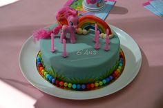 Gâteau anniversaire My Little Pony Anniversaire My Little Pony, Birthday Cake, Google, Desserts, Food, Birhday Cake, Birthdays, Tailgate Desserts, Birthday Cakes