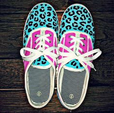 DIY painted shoes!