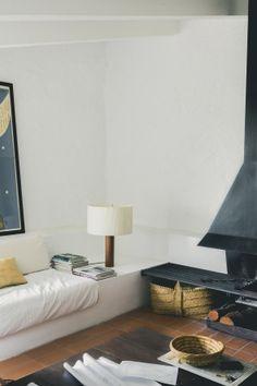 MORAGAS table lamp. Beacon of modern design.