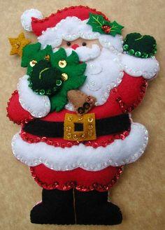 Bordados Oma - Porta Cubiertos Sra Noel Felt Christmas Stockings, Felt Christmas Decorations, Felt Christmas Ornaments, Christmas Holidays, Christmas Projects, Felt Crafts, Christmas Crafts, Homemade Christmas Gifts, Handmade Christmas
