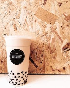 Brew Box | 21 Places You Must Drink Bubble Tea Before You Die Tea Restaurant, Restaurant Design, Bubble Milk Tea, Simple Packaging, Thai Tea, Tea Brands, Keto Drink, Tea Recipes, Belle Photo