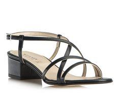 Klasyczne sandały.