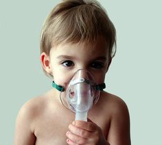 How to use inhaled glutathione and hydrogen peroxide, colloidal silver in a nebulizer to heal asthma, pneumonia, lung inflammation and emphysema. Food Grade Hydrogen Peroxide, Natural Asthma Remedies, Health Remedies, Lung Infection, Listen To Your Gut, Health Options, Oxidative Stress, Health Articles, Pediatrics