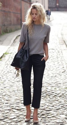 Wear to Work Outfit Ideas. Womens Casual Office Fashion ideas and dresses. Womens Work Clothes Trending in 34 Outfit ideas. Casual Work Outfits, Winter Outfits For Work, Mode Outfits, Work Casual, Chic Outfits, Fashion Outfits, Outfit Work, Summer Work Outfits Office, Casual Work Clothes