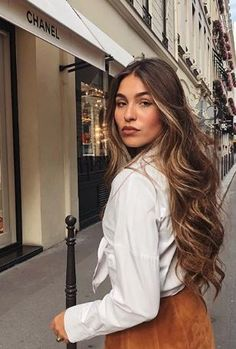 Light Brown Hair, Light Hair, Hair Color Ideas For Brunettes Balayage, Balayage Brunette, Cool Hair Color, Hair Looks, Beauty And The Beast, Hair Inspiration, Curls