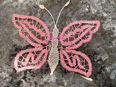 A Bobbin Lace Lover: Cómo cruzar 4 hojas de guipur-Método 1