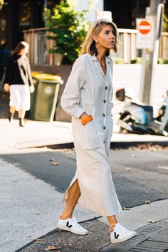 Street style inspiration from Mercedes-Benz Fashion Week Australia 2019 - Vogue Australia Street Style Fashion Week, Sydney Fashion Week, Look Street Style, Street Style Summer, Cool Street Fashion, Modern Street Style, Fashion Weeks, Home Fashion, Fashion Outfits