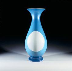 Vase en opale, 1841-1851 Cristalleries de Baccarat © Musée des arts et métiers-Cnam/photo Pascal Faligot
