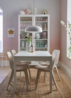 Make dinner a daily pleasure - IKEA Ikea Dining Table, Extendable Dining Table, Dining Furniture, Table And Chairs, Dining Area, Kitchen Dining, Dining Chairs, Kitchen Post, Ikea Inspiration