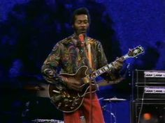 Chuck Berry - Johnny B. Goode rock 'n' roll? Music Clips, Music Tv, Music Songs, Chuck Berry Songs, Beat Club, Johnny B Goode, Rock And Roll Fantasy, Wall Of Sound, Country Music Videos