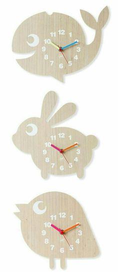 Relógios diferenciados em MDF. Quer um produto como este? Visite nosso site www.lojacascudo.com.br ou chame nossa equipe no whatsapp (51) 99879-0301.