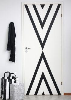 Black masking tape for a stylish door