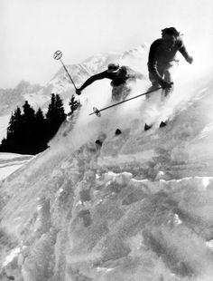 Skieurs à Megève, 1938. Photo Willy Ronis